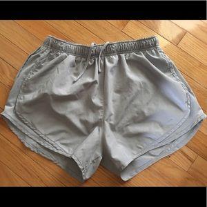 ☑️Women's Large NIKE Dri-Fit Tempo Shorts ☑️